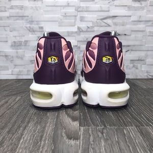 Nike Shoes - Nike Air Max Plus TN Lucky Charms